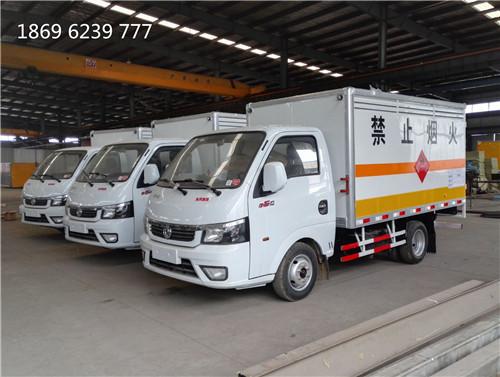 东风途逸易燃气体厢式车3