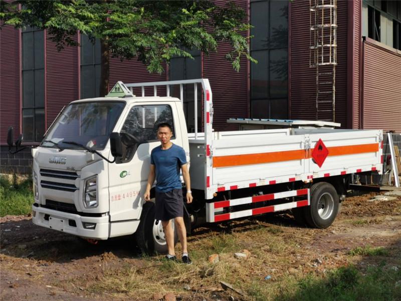 江铃1.495吨国六仓栏气瓶运输车