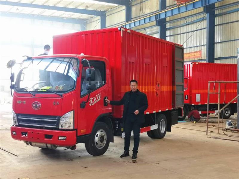 新闻:2台解放虎V易燃气体厢式运输车将发往四川