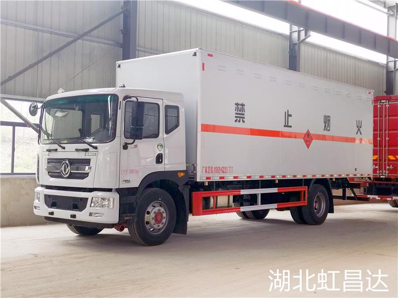 5月1日新规倒计时 东风D9国六易燃液体厢式运输车已交车