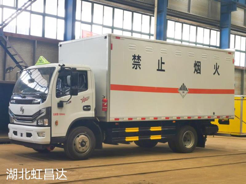 新闻:东风多利卡5.1米国六杂项危险物品厢式运输车 危废车出库1台