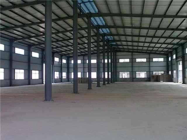 襄阳钢结构的彩钢板与天沟安装_湖北恒固建设
