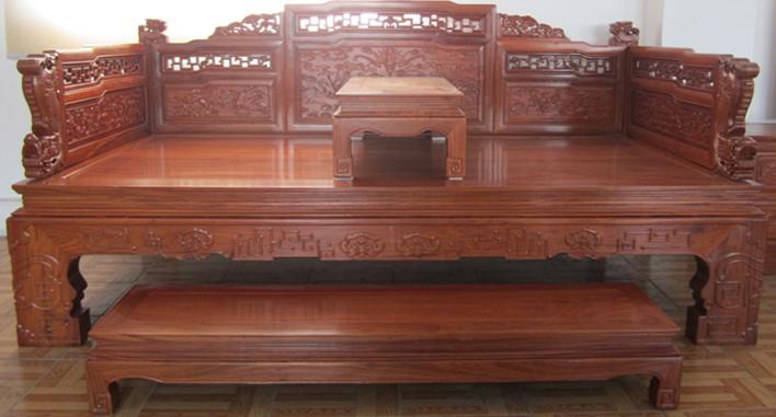 北京红木家具回收公?#23621;?#24744;分享红木家具报价不一样的原因