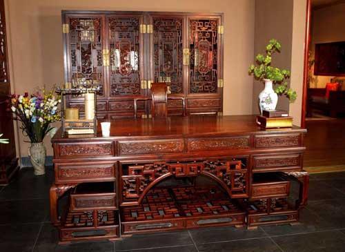 北京红木家具回收公司浅谈红木家具