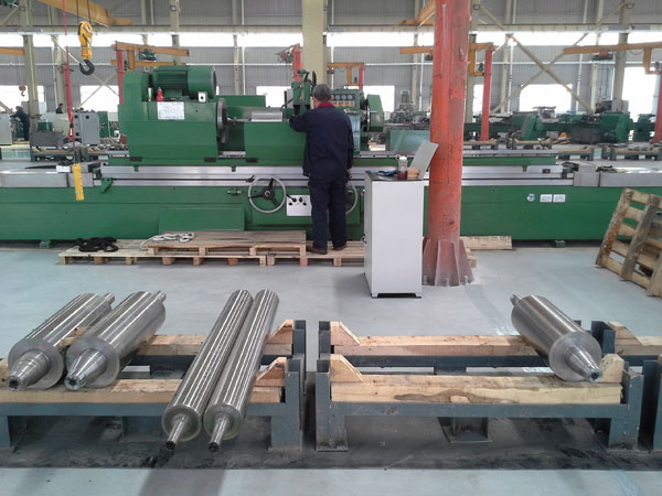 Common Roll varieties are cast steel roll, cast iron roll and forging roll three categories
