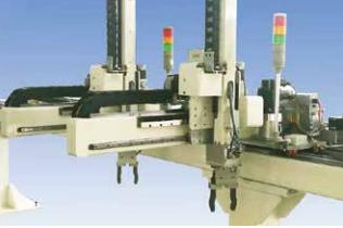 对于桁架机械手经过控制器对各种输入信号的剖析处理