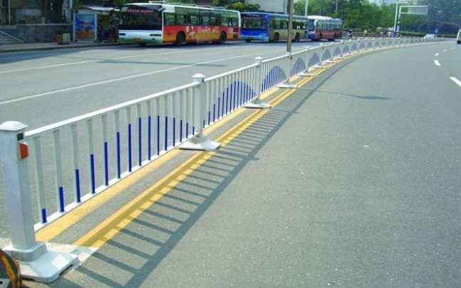 襄陽道路護欄