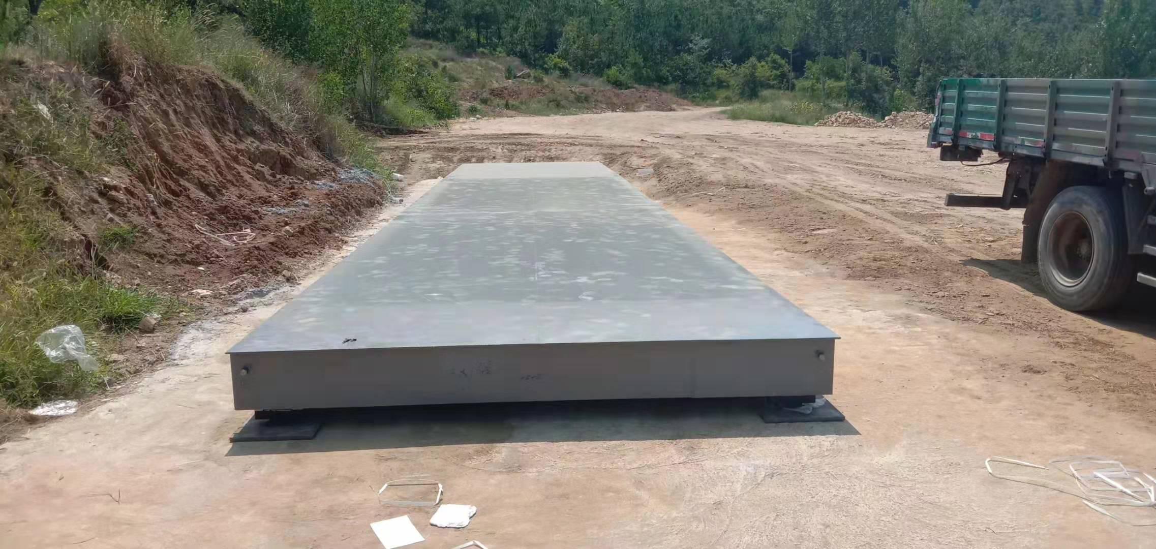 新市砂场3x16米大型地磅安装完成