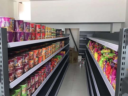 便利店食品货架
