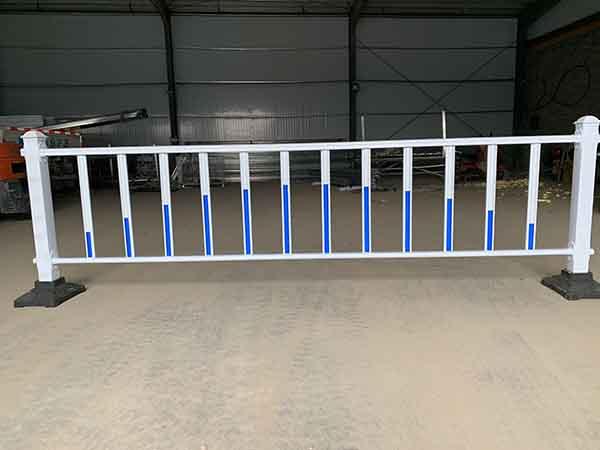济南/青岛如何提高PVC护栏的使用寿命