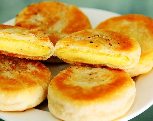 """""""酥掉渣""""的板栗酥,做法很简单,外酥里软,看着就想吃"""