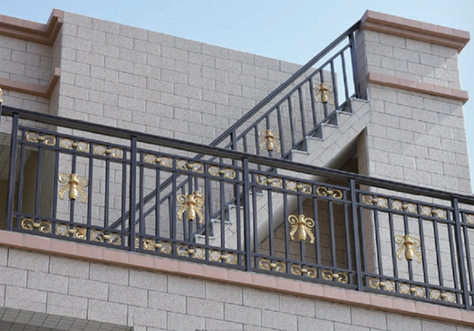 重庆铝艺围栏厂家介绍铝艺栏杆的选择技巧