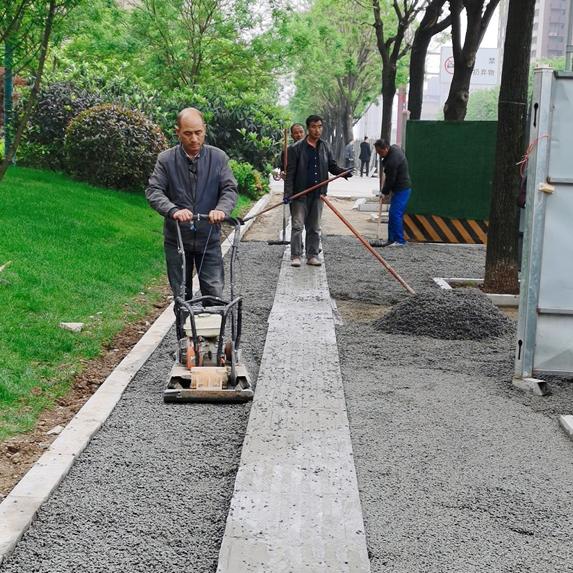 曲江春林三路