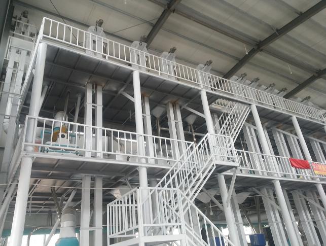 日产80吨精洁米机组
