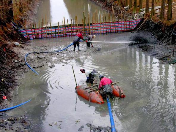 河流底泥清淤