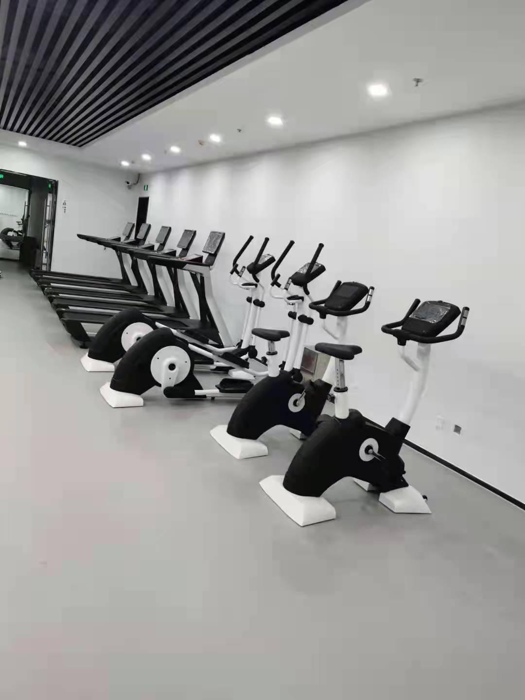 北京集电控股有限公司健身房