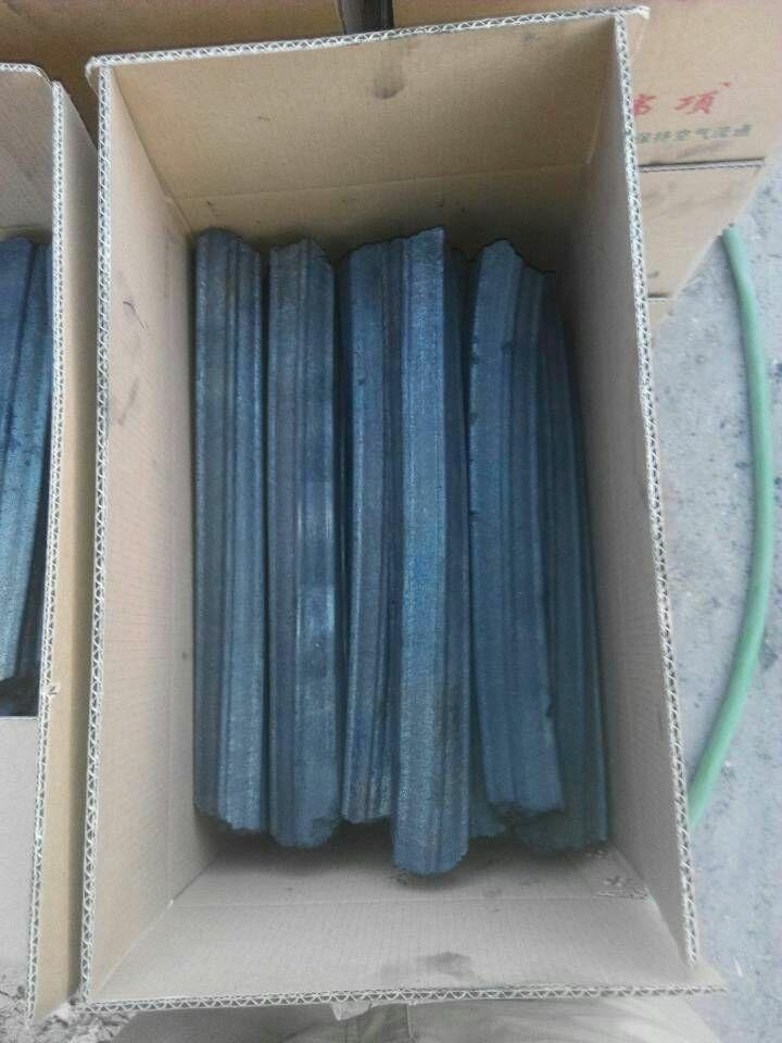 木炭疏松多孔的结构图片