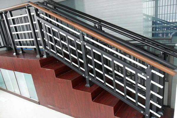长沙铝艺楼梯护栏