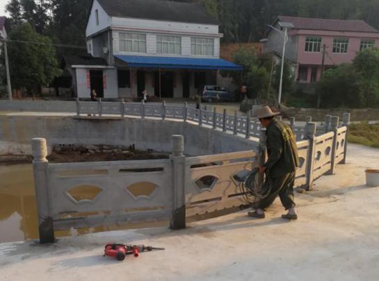 河堤扇形护栏