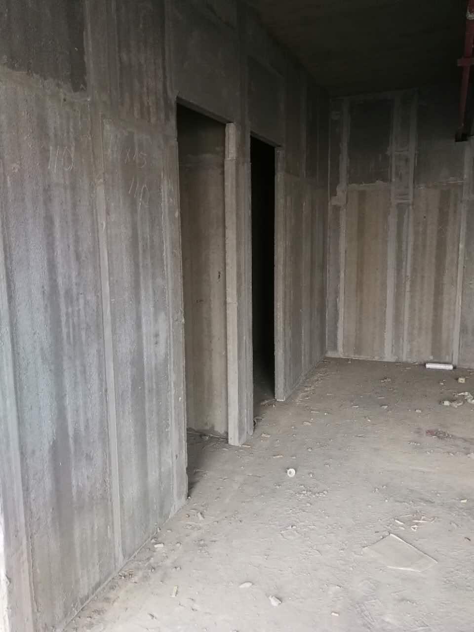 輕質隔牆現場施工環境圖片