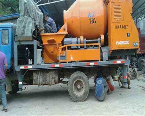水泥搅拌车维修