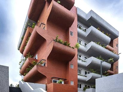 """富有动感的雕塑:印度""""森林""""公寓"""