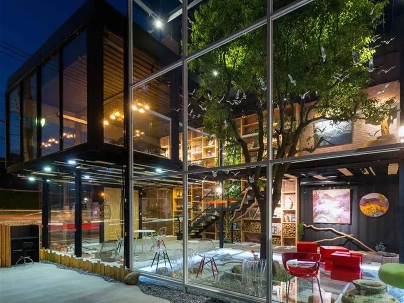 集装箱玻璃销售中心,诠释生态景观建筑的生命力!