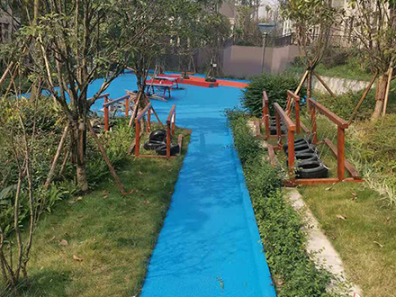 隆鑫.鸿府儿童活动区塑胶