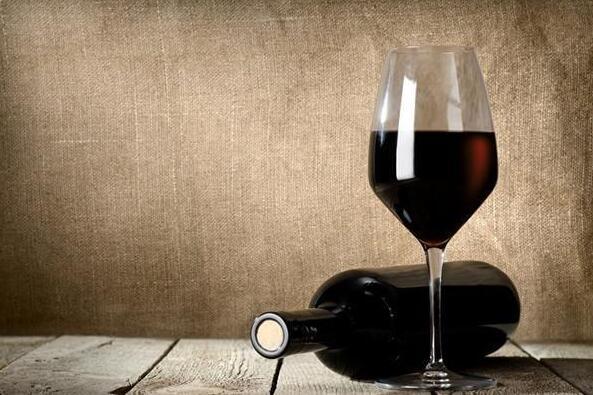 红葡萄酒开瓶后只放了几天,为什么别人就告诉我不能喝了?
