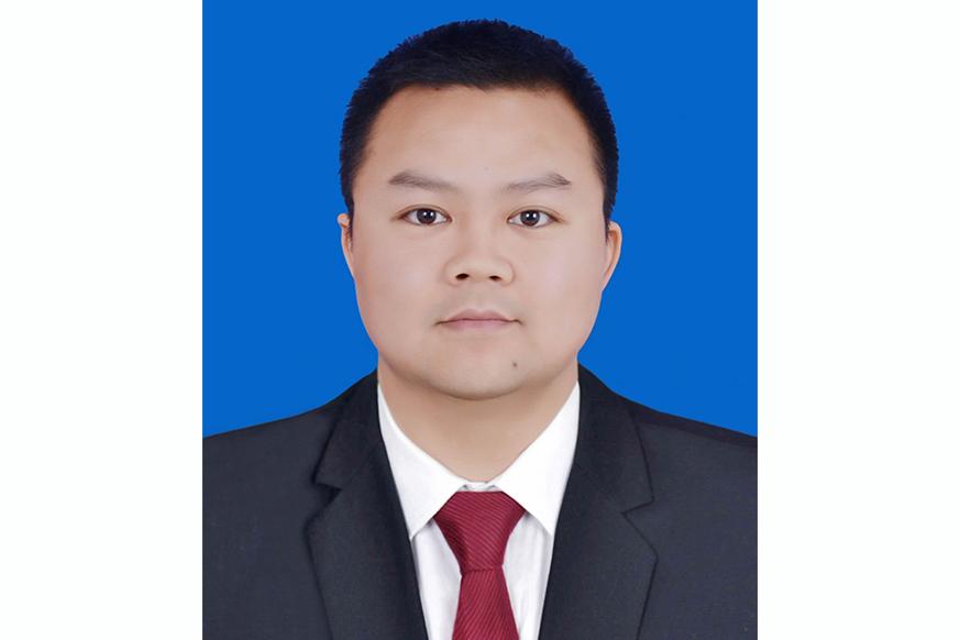 蒋卓雷律师