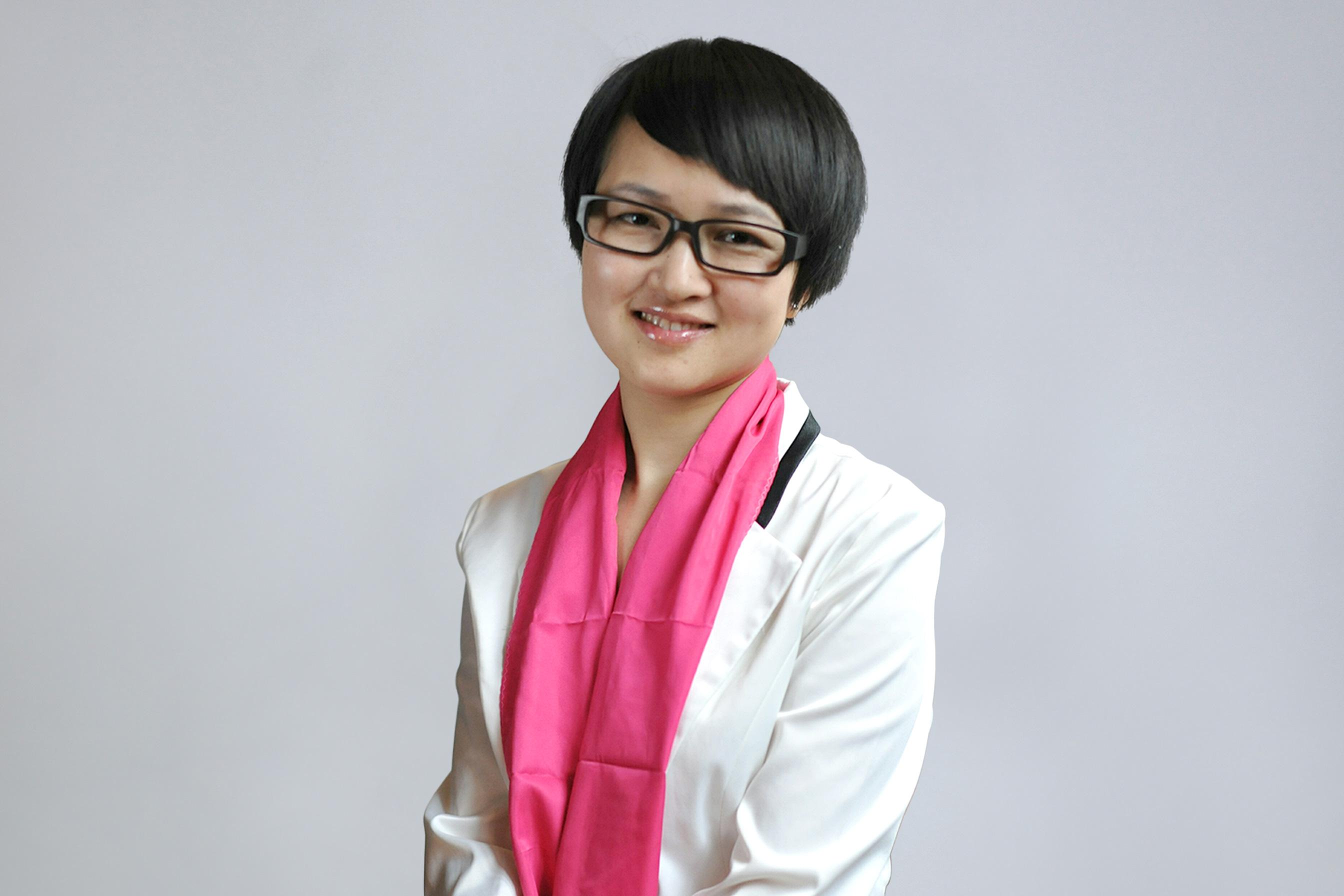 鲁冰娜 |  国家二级心理咨询师