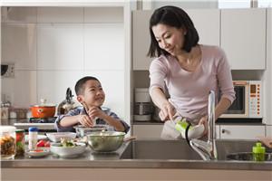 事业型爸妈如何提高亲子关系质量?