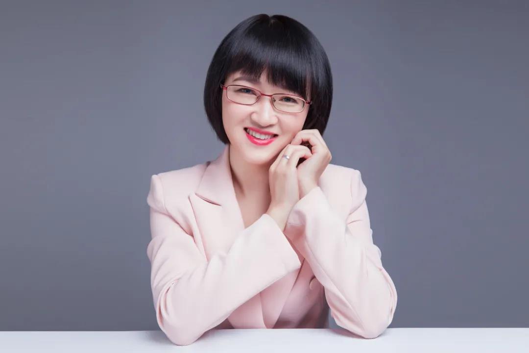 魯冰娜 |  國家二級心理咨詢師