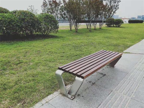 兴隆湖不锈钢公园椅、不锈钢垃圾桶采购项目