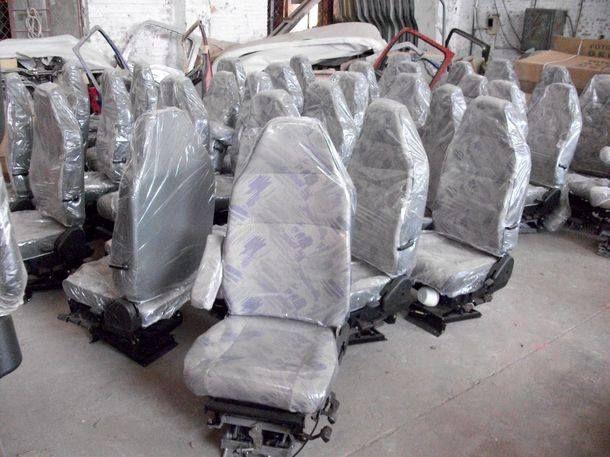 瑞沃汽车驾驶室座椅