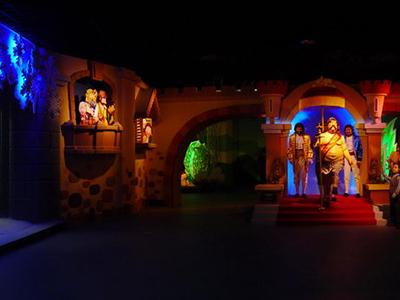 《童话世界》大连金石蜡像馆
