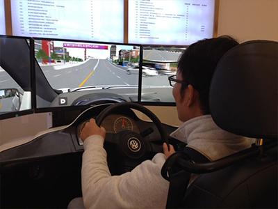 模拟交通体验系统