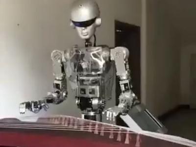 仿真机器人硅胶像