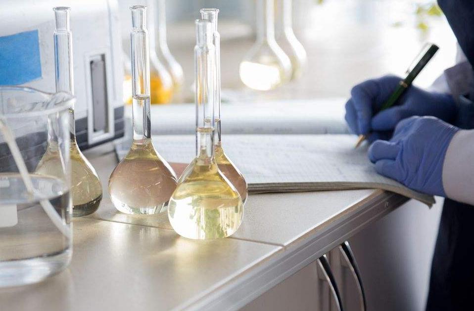 酶底物法程控定量封口机