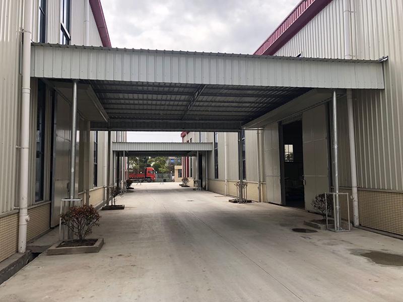 四川彭山区航瑞恒河纸品包装有限公司彩钢雨棚安装案例