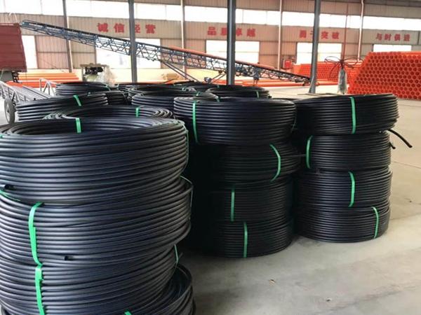 PVC给水管厂库一角