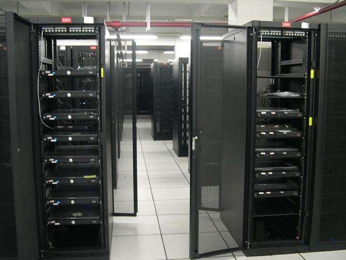 杭州戴尔服务器代理商教您如何选择服务器柜