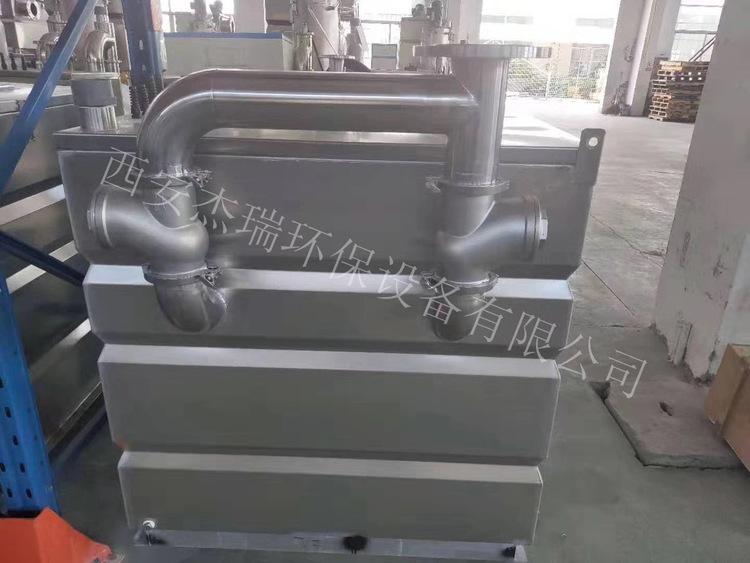 污水提升设备通过隔油池油水分离的技术过程很完善
