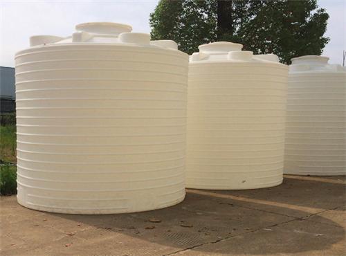 PE塑料水箱滚塑制作工艺的主要优点来听厂家介绍