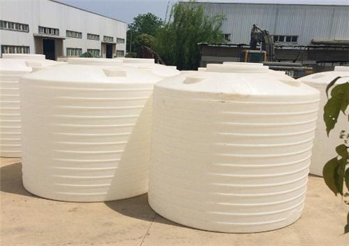 塑料水箱时怎么制作成的呢?厂家都用了哪些工艺