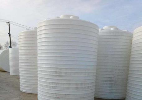 怎样才能买到优质的塑料水箱?
