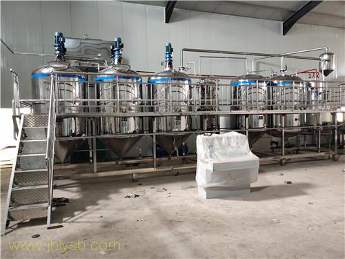 3吨不锈钢菜籽油精炼生产线到达平顶山正在安装中