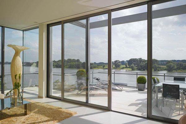 建筑玻璃幕墻設計應怎樣避免炫光