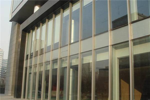 昆明半隱框玻璃幕墻安裝