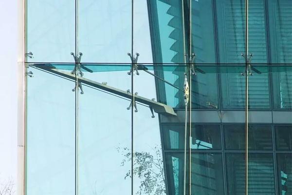 昆明玻璃幕墻工程施工